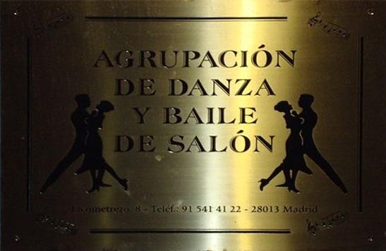 placa escuela de baile santo domingo en madrid